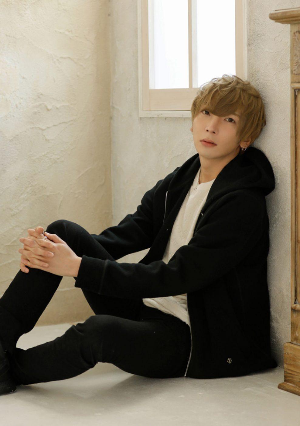 air_shin_saeki_s_th_TK_8245s